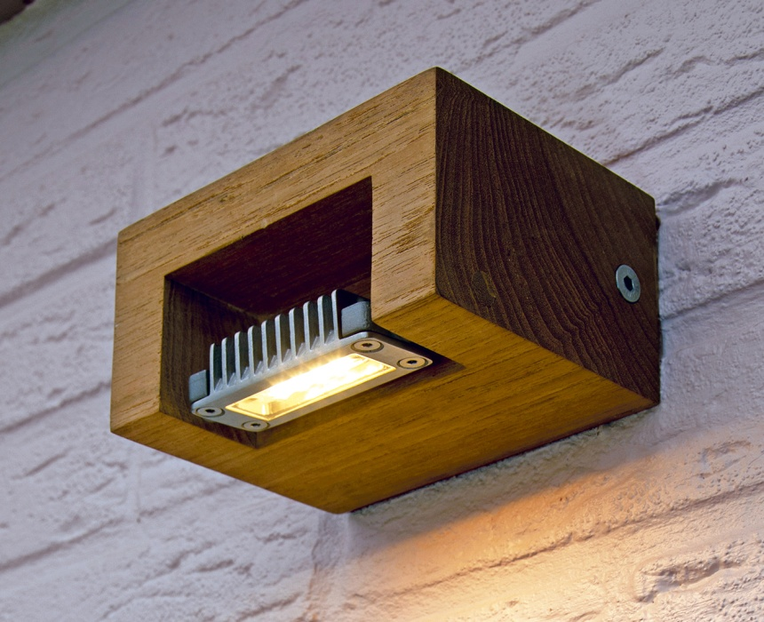 https://www.lichtbedenkers.nl/site/buitenverlichting/$FILE/Buitenverlichting%20Royal%20Botania%20Log.jpg